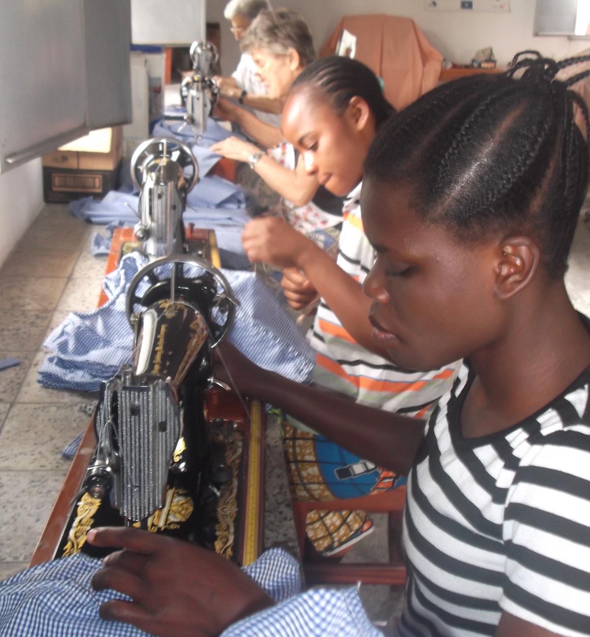 Atelier-de-couture-femmes-RDC-2