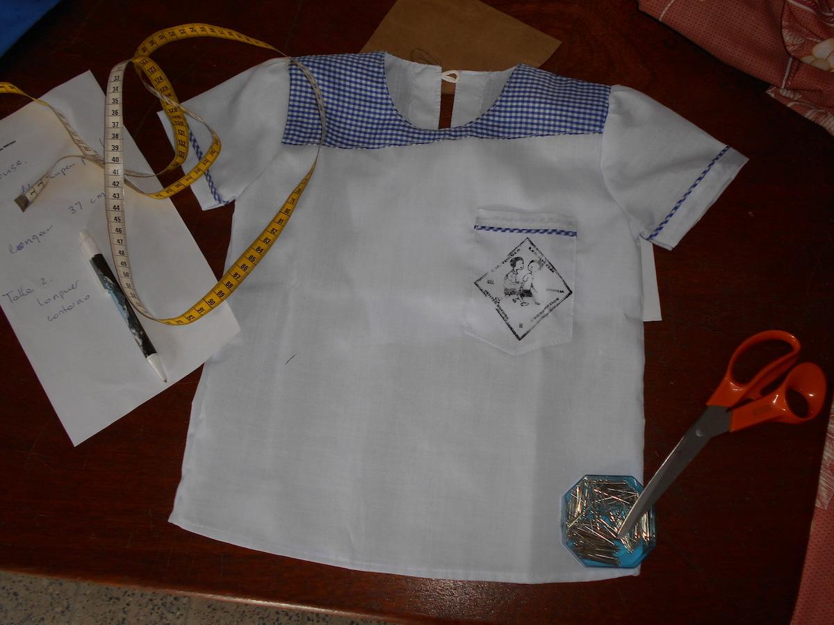 Atelier-de-couture-femmes-RDC-fabrication-uniforme